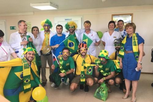 brazilskie-bolelschiki-ustroili-prazdnik-dlya-detey-v-bolnice-samary-blog